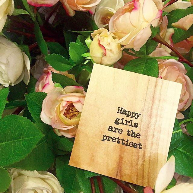 ✨😁✨ #heartshapehotel #flowercrowns #happy #girls #pretty