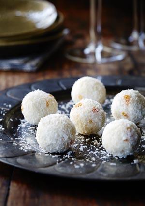 Apricot and Coconut truffles_taste like raffaelo_balls.jpg