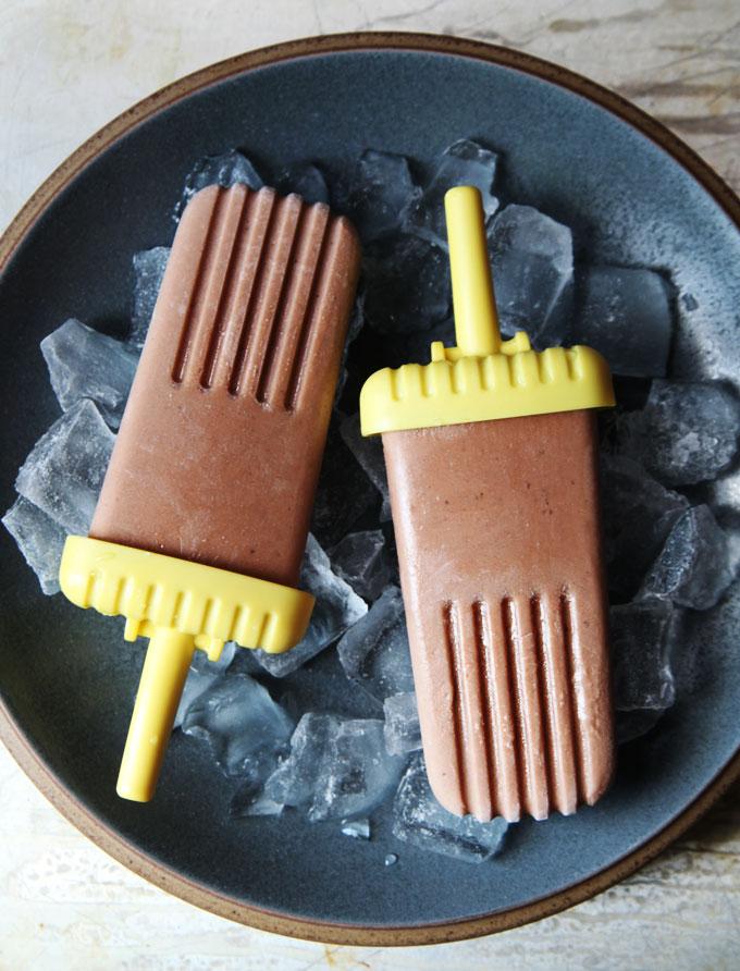 chocolate-banana-pops.jpg