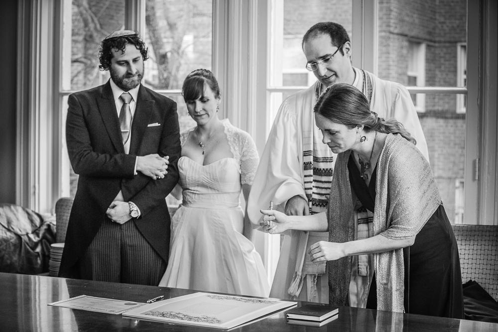 ketuba-signing-Wedding-at-josephine-butler-parks-center