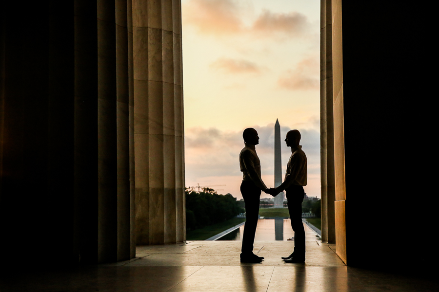 Lincoln-memorial-sunrise-engagement-session