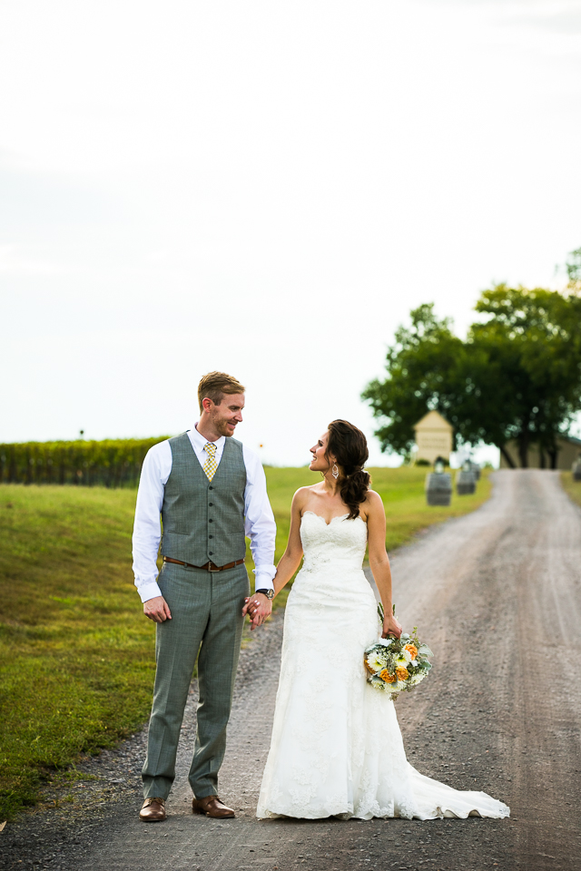 Old-House-Vineyards-Wedding-Portraits