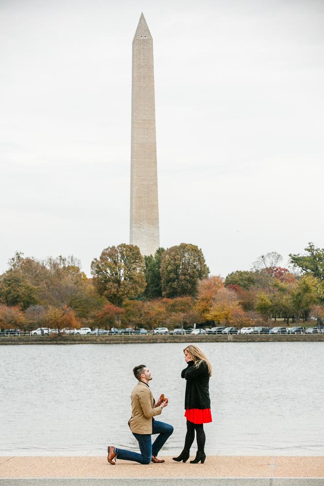 Jefferson-Memorial-Surprise-Proposal-Photographer