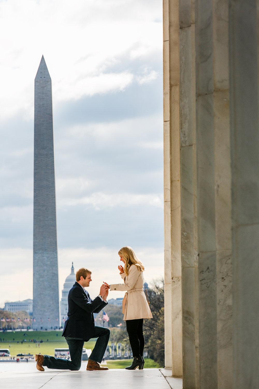 Lincoln-Memorial-Cherry-Blossom-Surprise-Proposal
