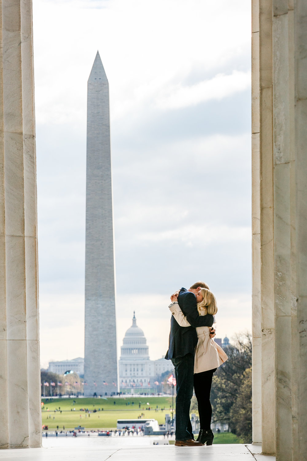 Lincoln-Memorial-Cherry-Blossom-Surprise-Proposal
