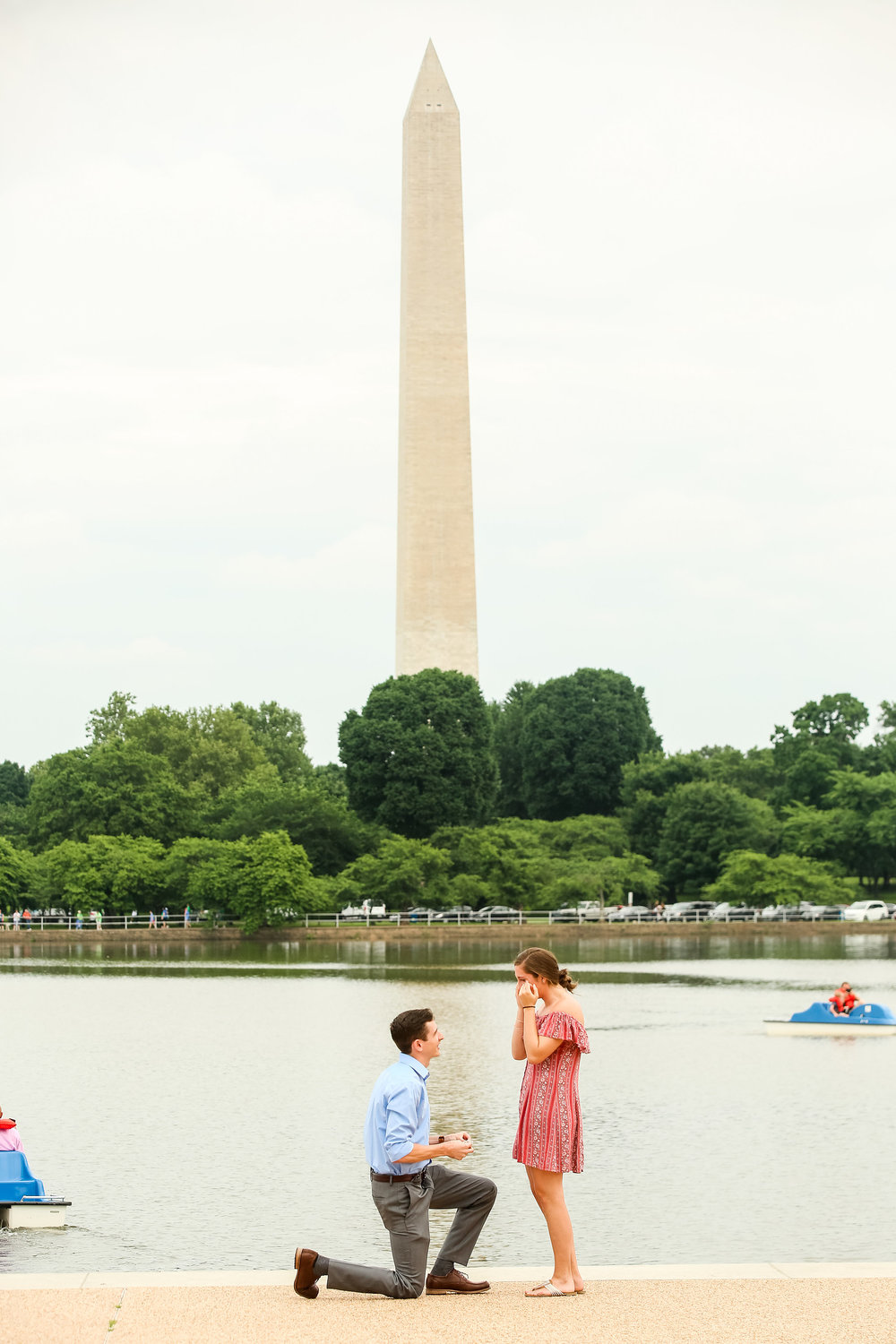 jefferson-memorial-tidal-basin-surprise-proposal-photography