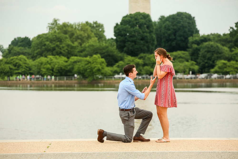 jefferson-memorial-tidal-basin-surprise-proposal-photographer