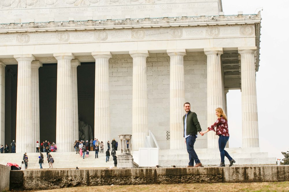 Lincoln-Memorial-Engagement-Session-Photographer