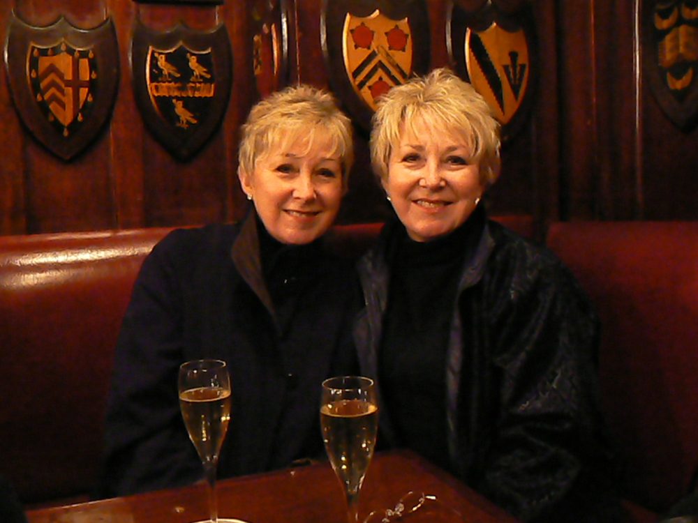 Linda and Brenda at Harry's Bar Sunday 11 March 07 a.jpg