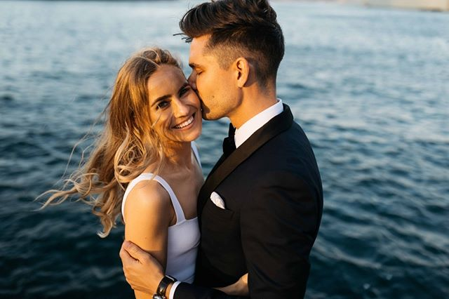 One of our faves from last year, the beautiful Oliver + Ashleigh 😍 .⠀⠀ .⠀⠀ .⠀⠀ .⠀⠀ .⠀⠀ .⠀⠀ #sydneyweddingphotographer #sydneyweddingphotography #journalisticweddingphotography #documentarystyleweddingphotography #documentarystyleweddingphotographer #naturalweddingphotography #naturalweddingphotographer #weddingmoments #junebugwedding #sydneyweddings #heyheyhellomay #australianwedding #sydneyweddingvendor #bridestory #weddinginspo #sydneybride #brideandgroom #photobugcommunity #absoluteweddings #theknot #lifeofadventure #freepeoplewedding #weddingphotomag #radlovestories #studiosomething