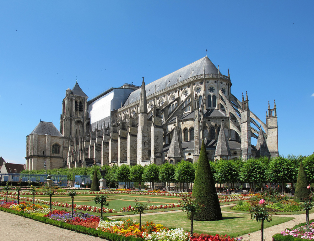Saint Etienne Cathedral - Image: commons.wikimedia.org  Located in Bourges, France, this Roman Catholic cathedral was built to honor Saint Stephen.
