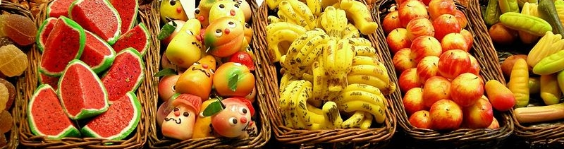 800px-Marzipan_fruits_at_the_market-jp-lingusitics.jpg