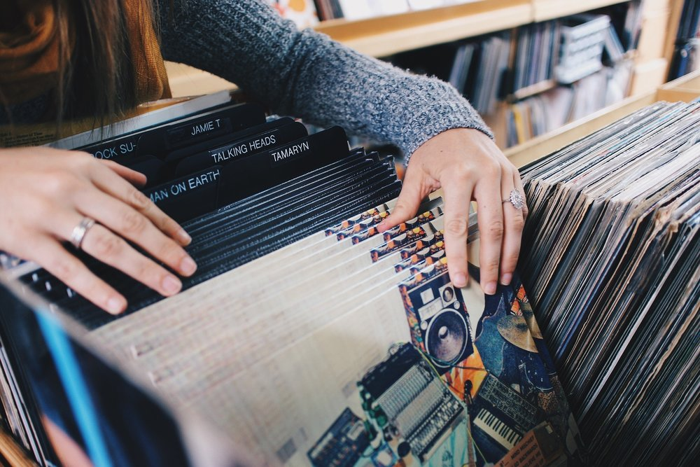 vinyl-records-945396_1920.jpg