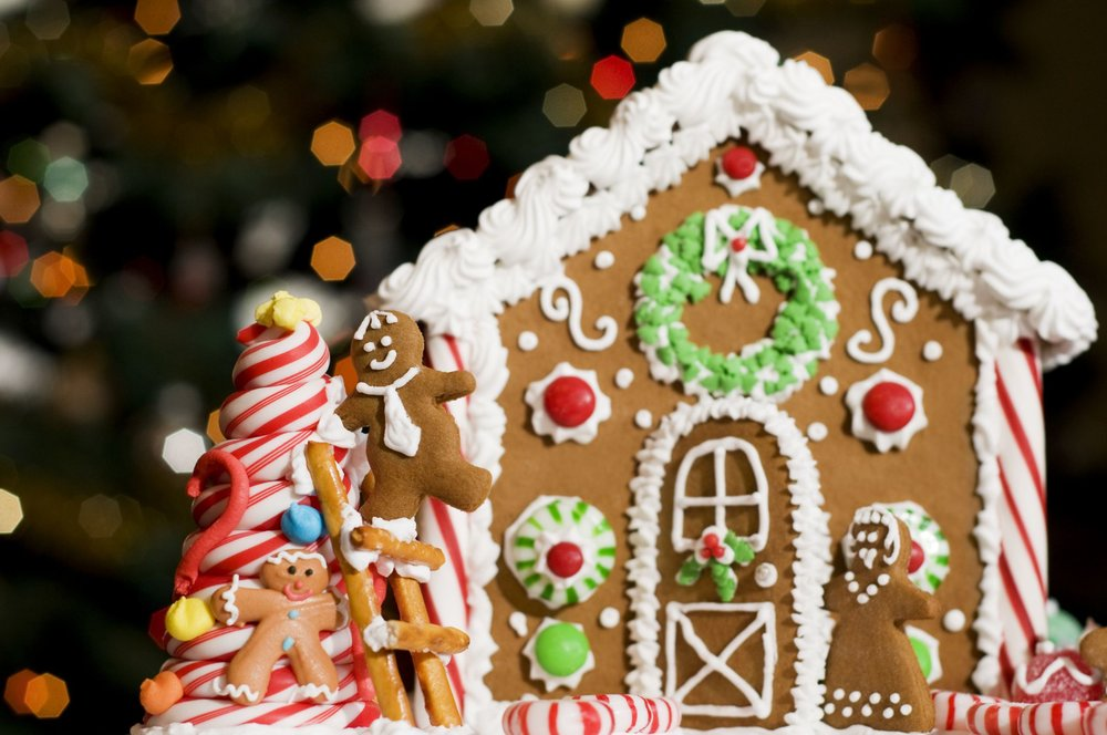 Gingerbread-house-GettyImages-182870806-58cbe8c25f9b581d72b46b05.jpg