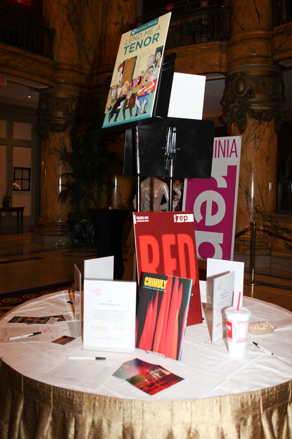 Gala,-Auction-table-display.jpg