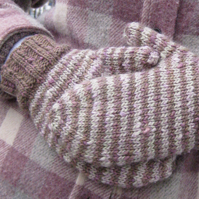 New Free Patterns!: Lychee Mittens, Tree of Life Wristlets & Queenie ...
