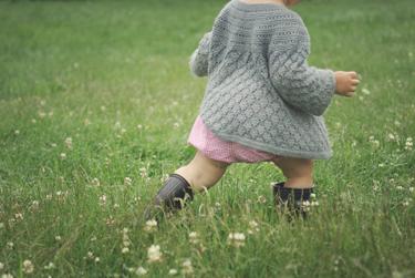 baby-in-wild