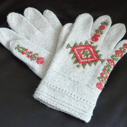 Aino Gloves by Nancy Bush,  Folk Knitting in Estonia