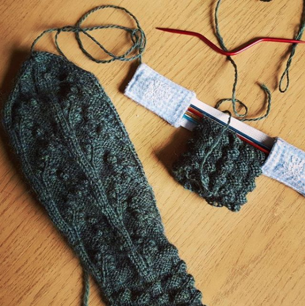 Kelbourne Woolens October Mitten made with The Fibre Co. cumbria fingering by Emma Treleaven #yearofmittens #kelbournewoolens