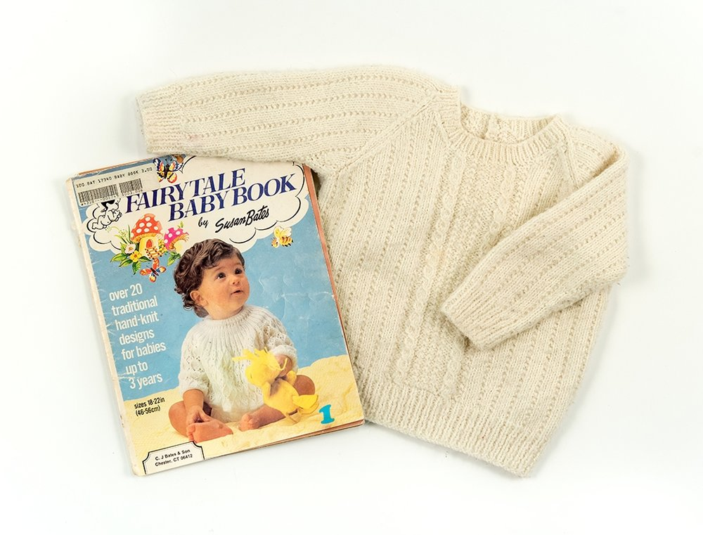 Nana's Sweater: Susan Bates Fairytale Baby Book