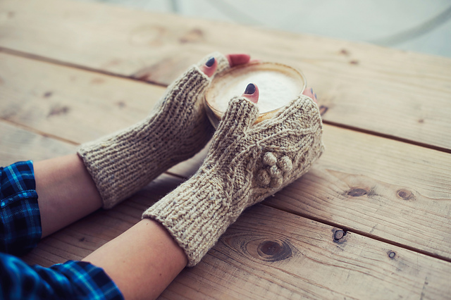Baileys mitts in Fibre Co Arranmore