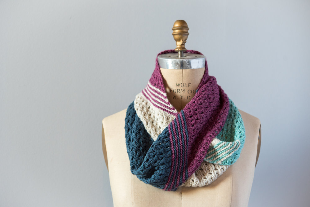 infinity scarf in The Fibre Co Luma