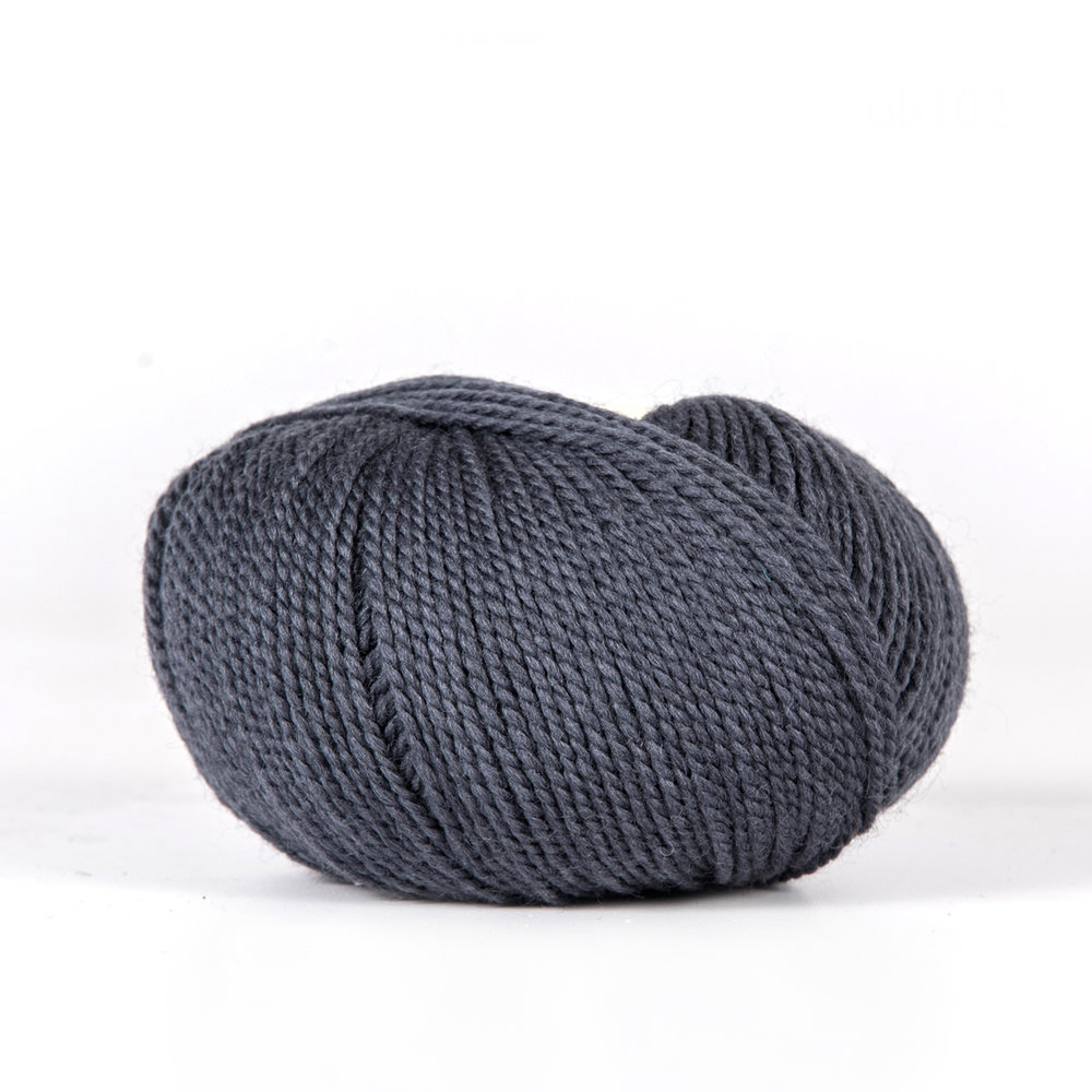 SEMILLA /    100% Wool  175 yds (160 m) / 50 gm ball