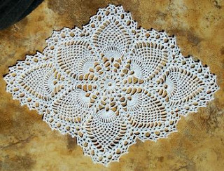 Pineapple Doily 7714