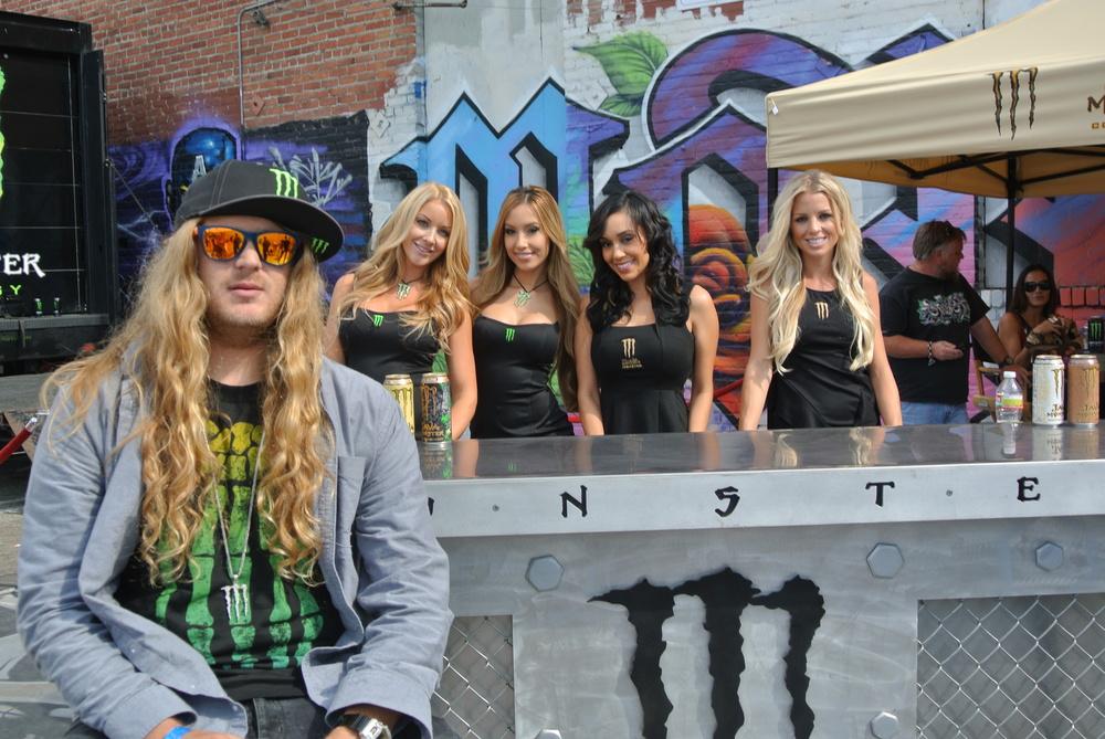 The_Dingo_Monster_Girls.JPG