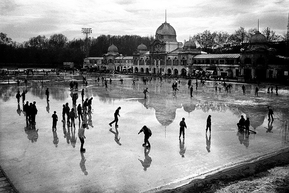 Budapest Ice Rink.jpg