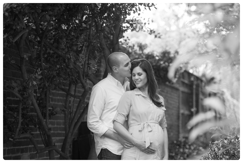 Maternity Session in Old Town Alexandria Virginia_0020.jpg