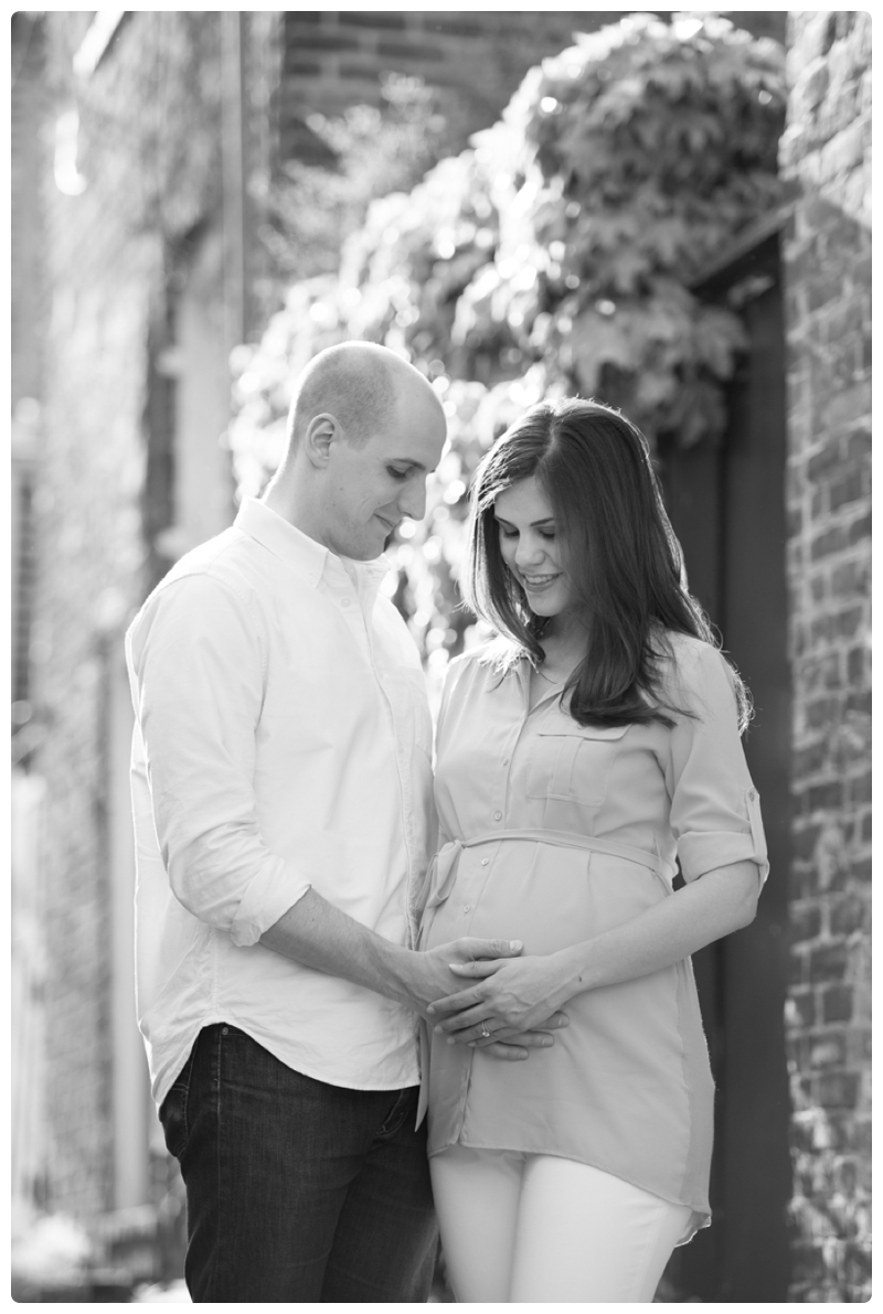 Maternity Session in Old Town Alexandria Virginia_0023.jpg