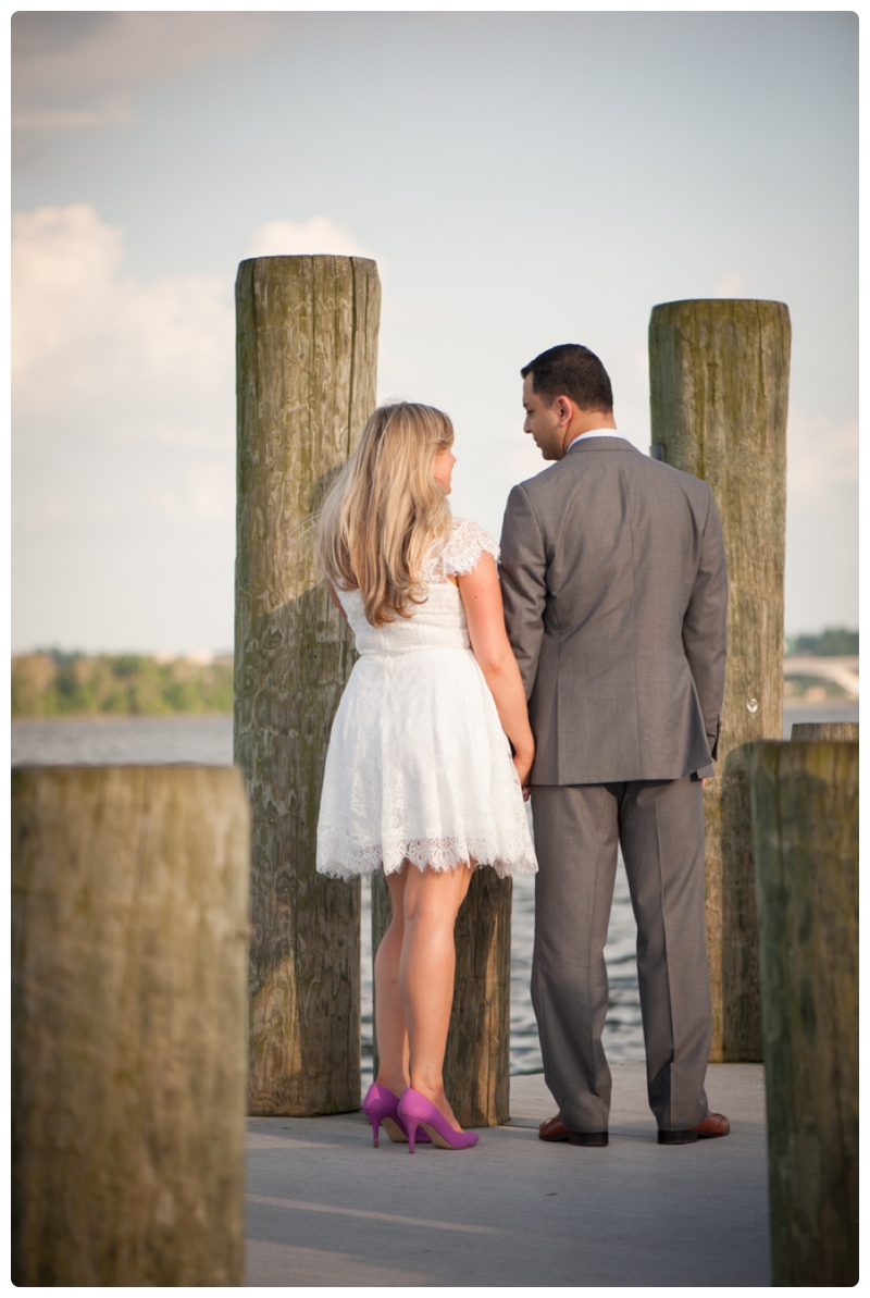Engagement Session in Old Town Alexandria by www.rachaelfosterphoto.com_0019.jpg