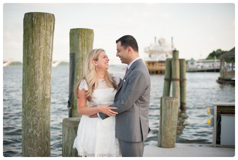 Engagement Session in Old Town Alexandria by www.rachaelfosterphoto.com_0021.jpg