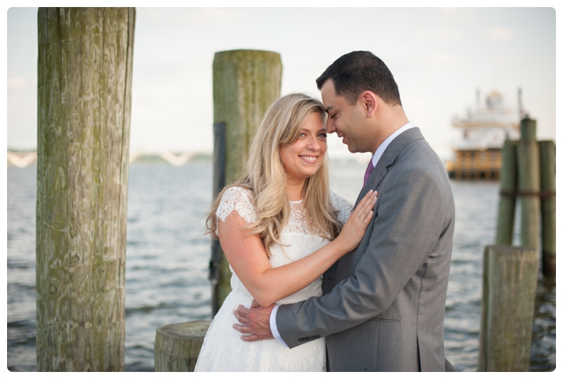 Engagement Session in Old Town Alexandria by www.rachaelfosterphoto.com_0022.jpg