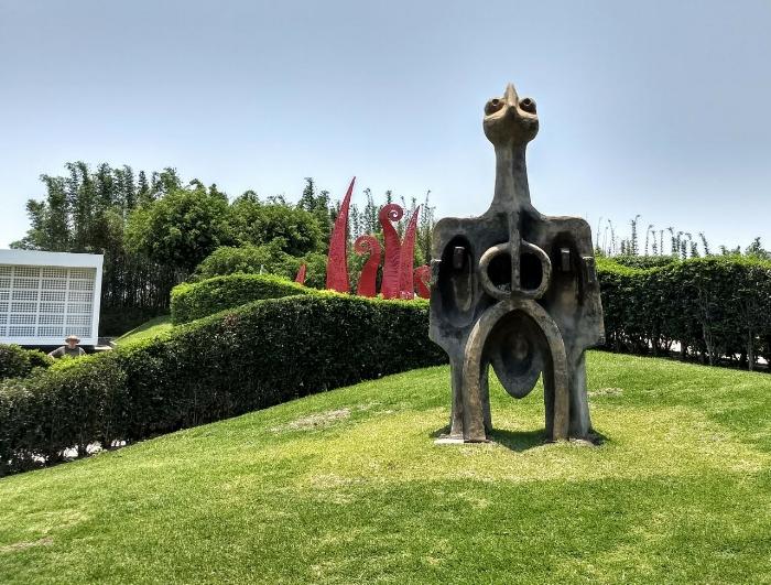 Esculturas en el Laberinto de los Sentidos de Jardines de México