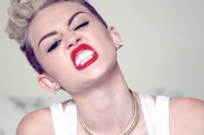 miley-cyrus-we-cant-stop-1-650-430.jpg