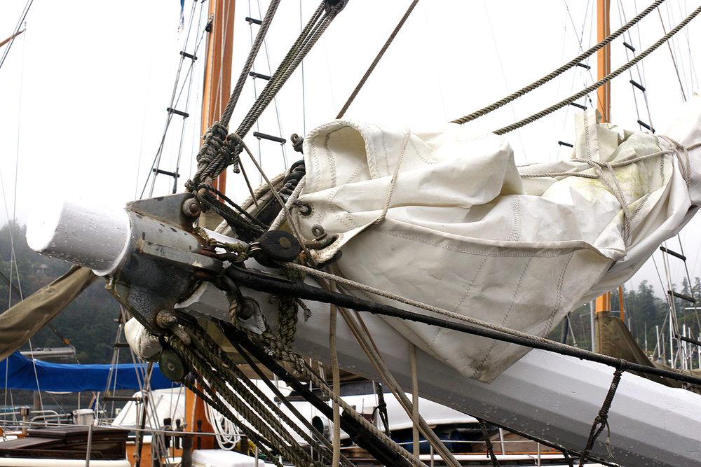 That's a busy bowsprit