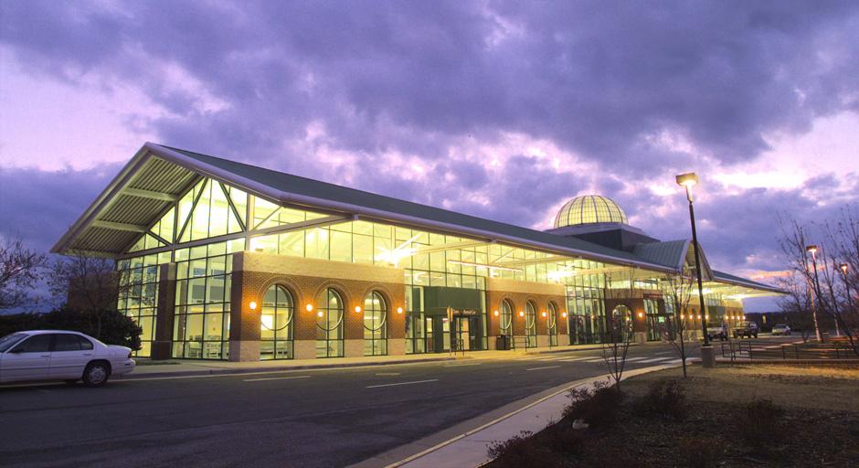 Lynchburg Regional Airport - 10 Minutes from Venue350 Terminal Dr., Lynchburg, VA 24502(434) 455-6090