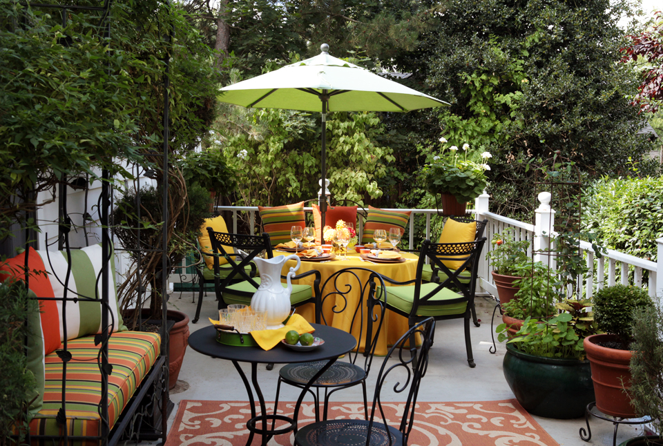 Kathia's deck of sunny citrus brights!  Photo by Fred Stickley
