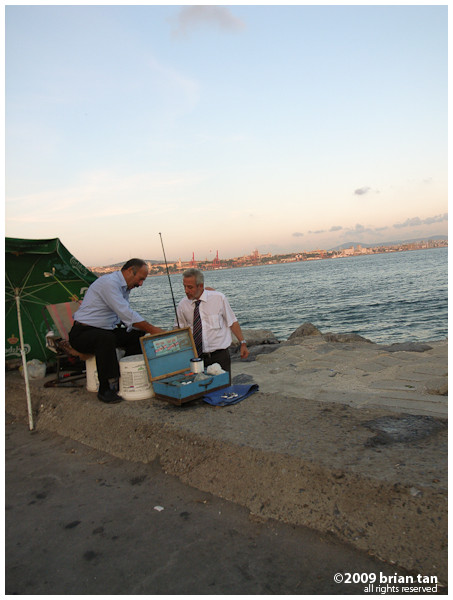 Proof that Turks are good business men. Where there are anglers, there are peddlers...