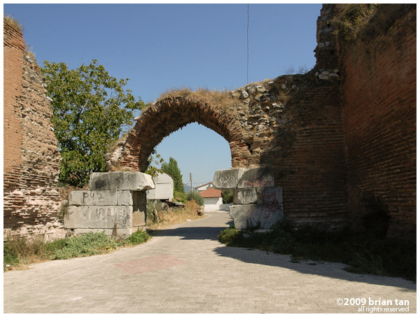 Iznik's ancient city wall portal