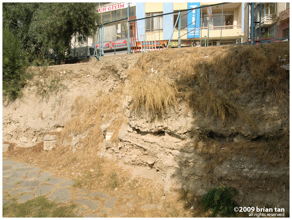 Cross section of the excavation border. Obviously quite a lot more of the road lies under modern Tarsus.