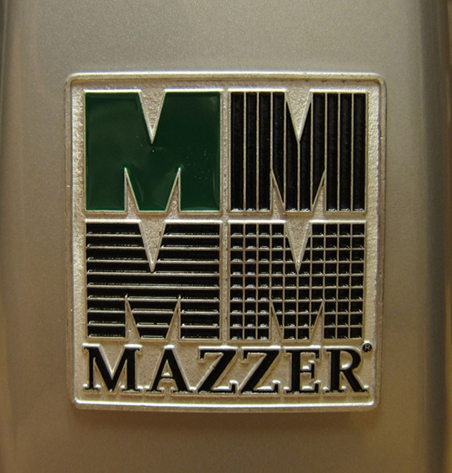 I like the way Italians proudly display their logo. This is on the Mazzer Mini grinder that is paired with the Cellini.
