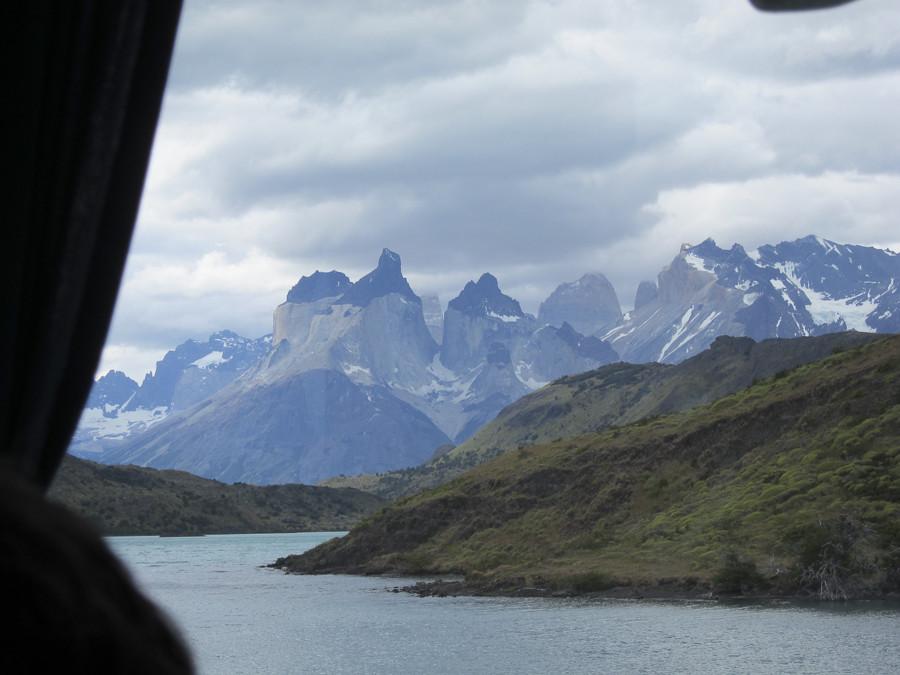 First closeup view of the Cordilleras while driving along Lago Nordenskjol.