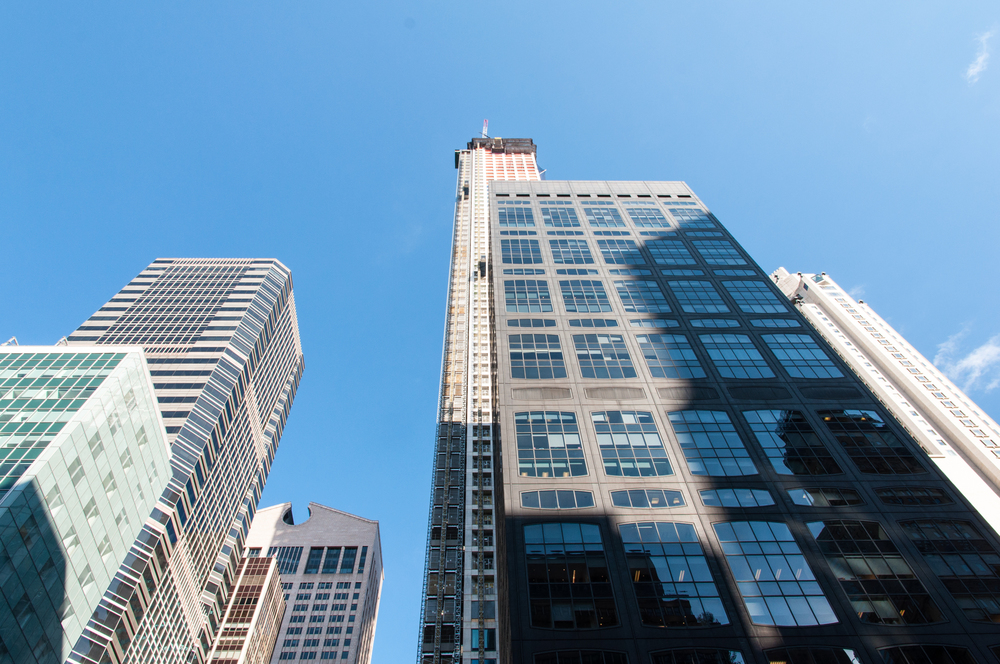 The east facade of 432 Park Avenue (left) and 450 Park Avenue (right).