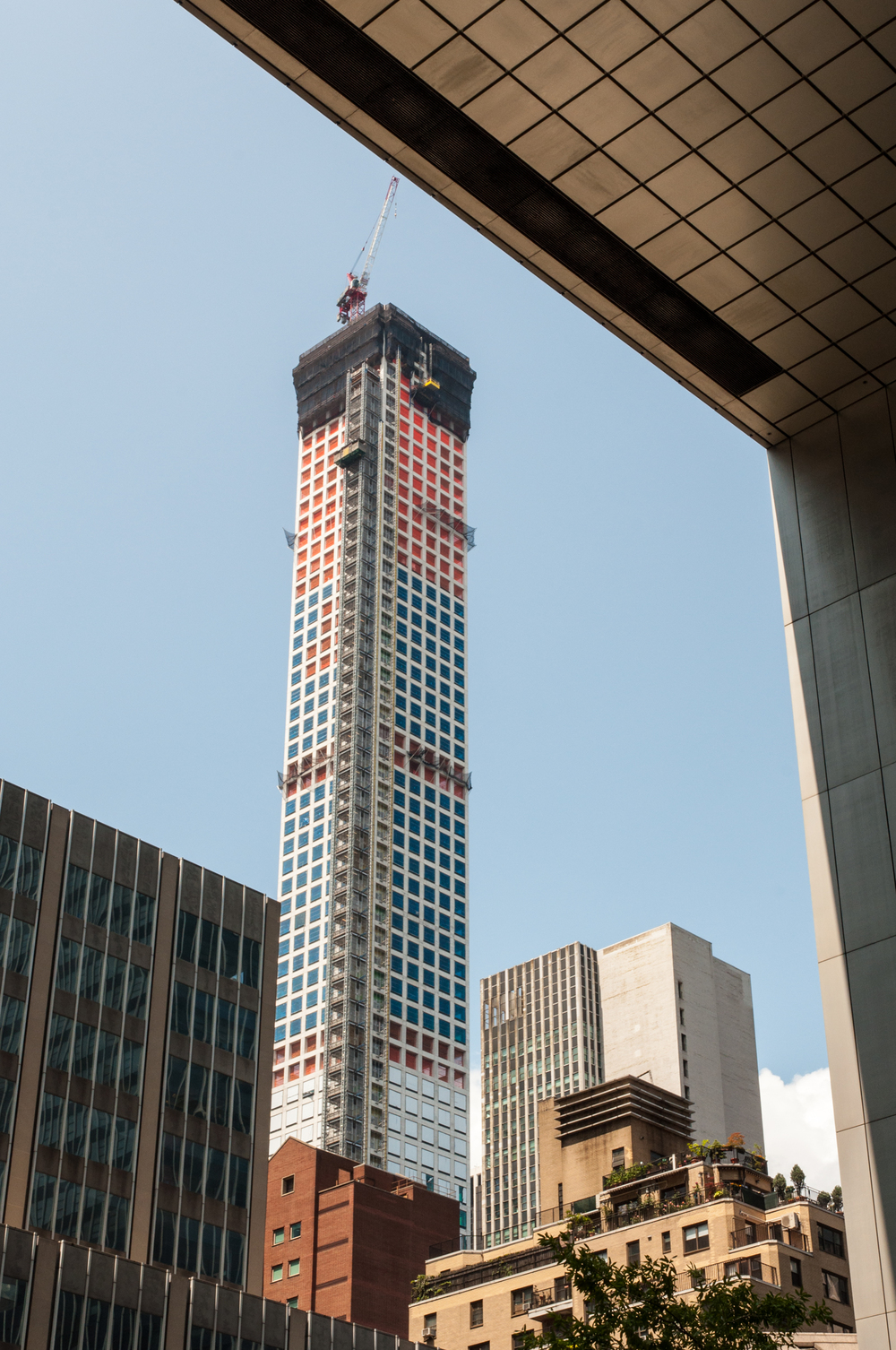 432 Park Avenue framed by the Citigroup Center tower.