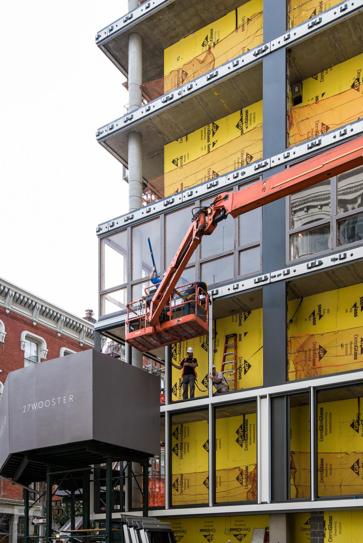 Facade frame installation.