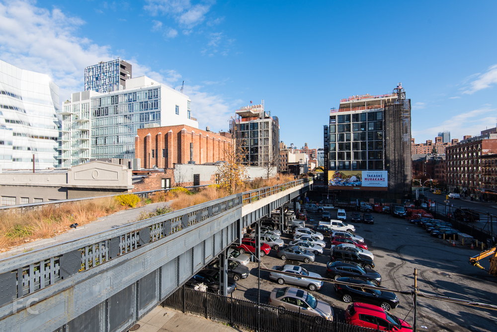 Looking north from the High Line stairs at West 18th Street.