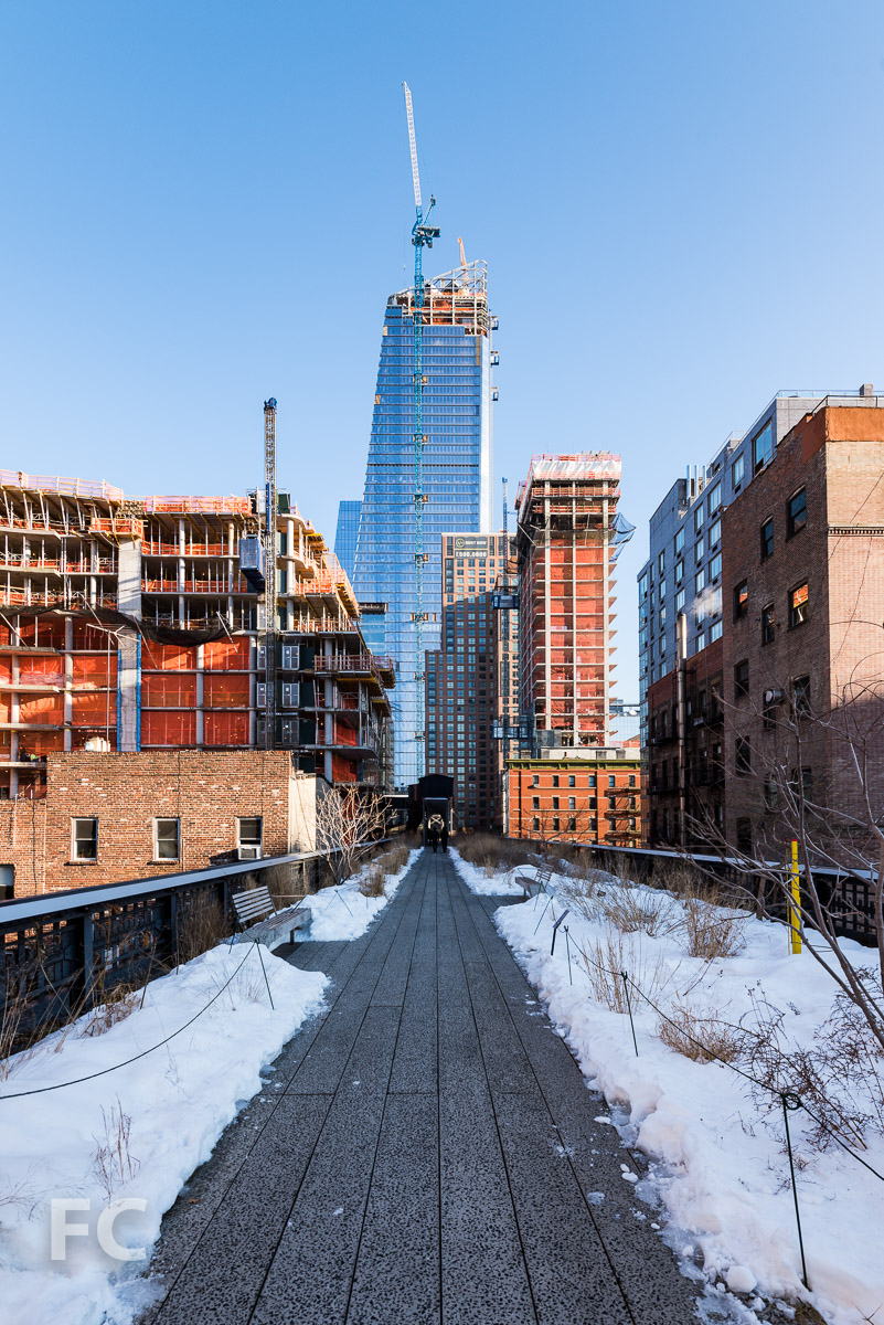 South façade of 10 Hudson Yards from the High Line.
